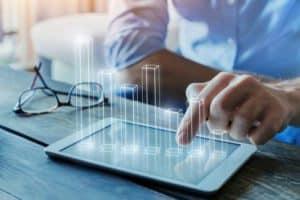 consultor seo en valencia - tablet con resultados